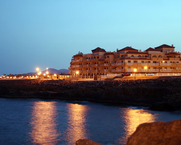 Costa Caleta Photo 4