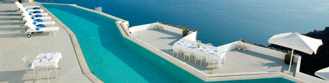 10 Spectacular Swimming Pools Around The World