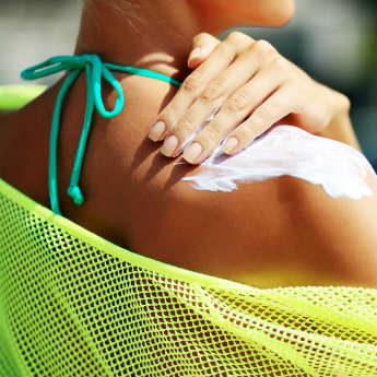 6 Ways to Stay Safe in the Sun